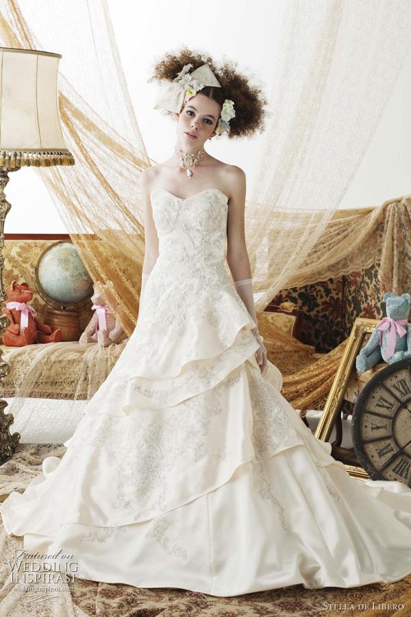Designer spotlight stella de libero for Japanese wedding dress designer